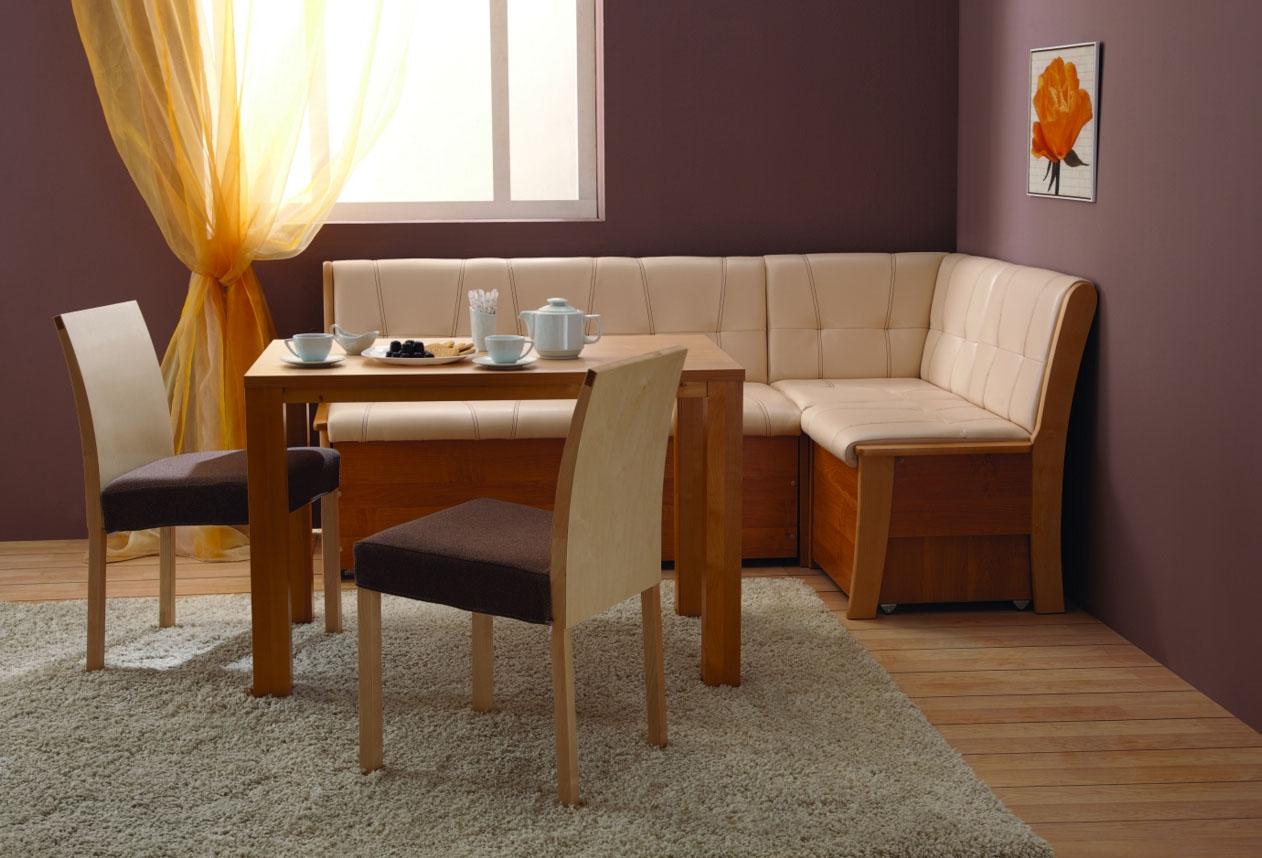 Угловой деревянный диван на кухню