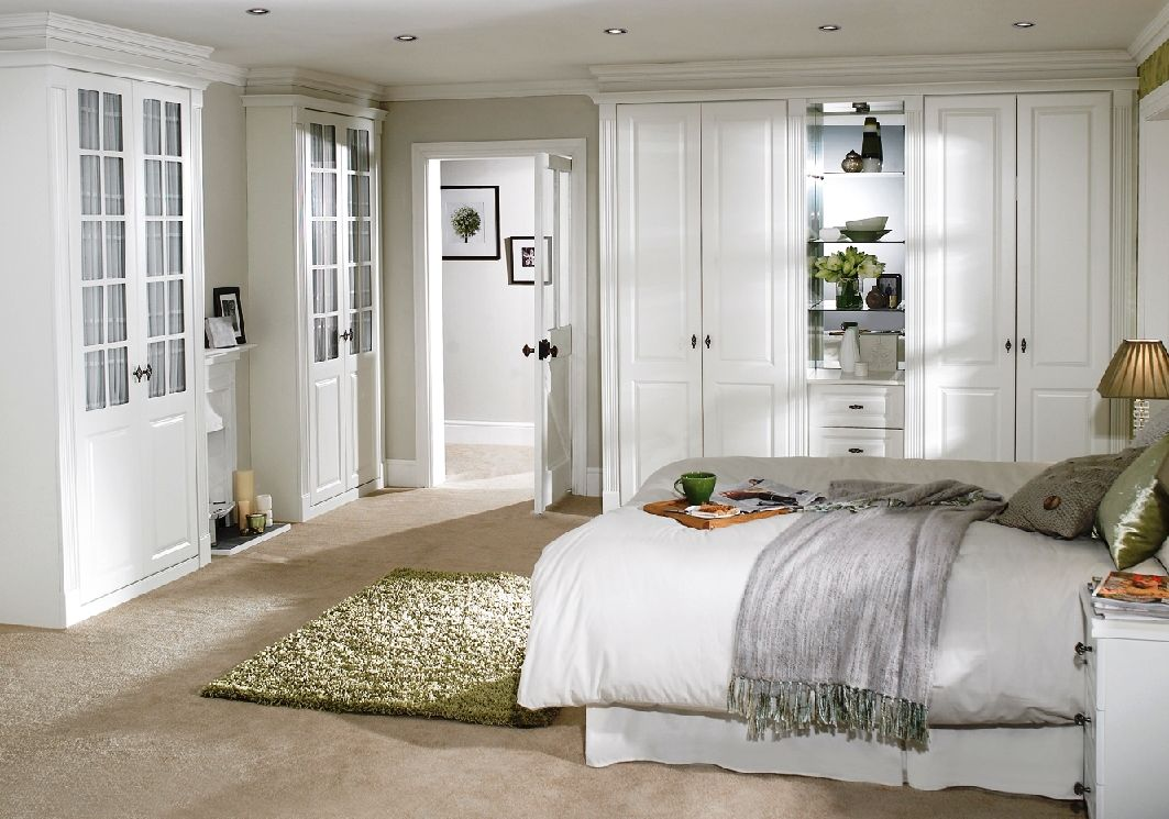 Белая деревянная мебель для спальни