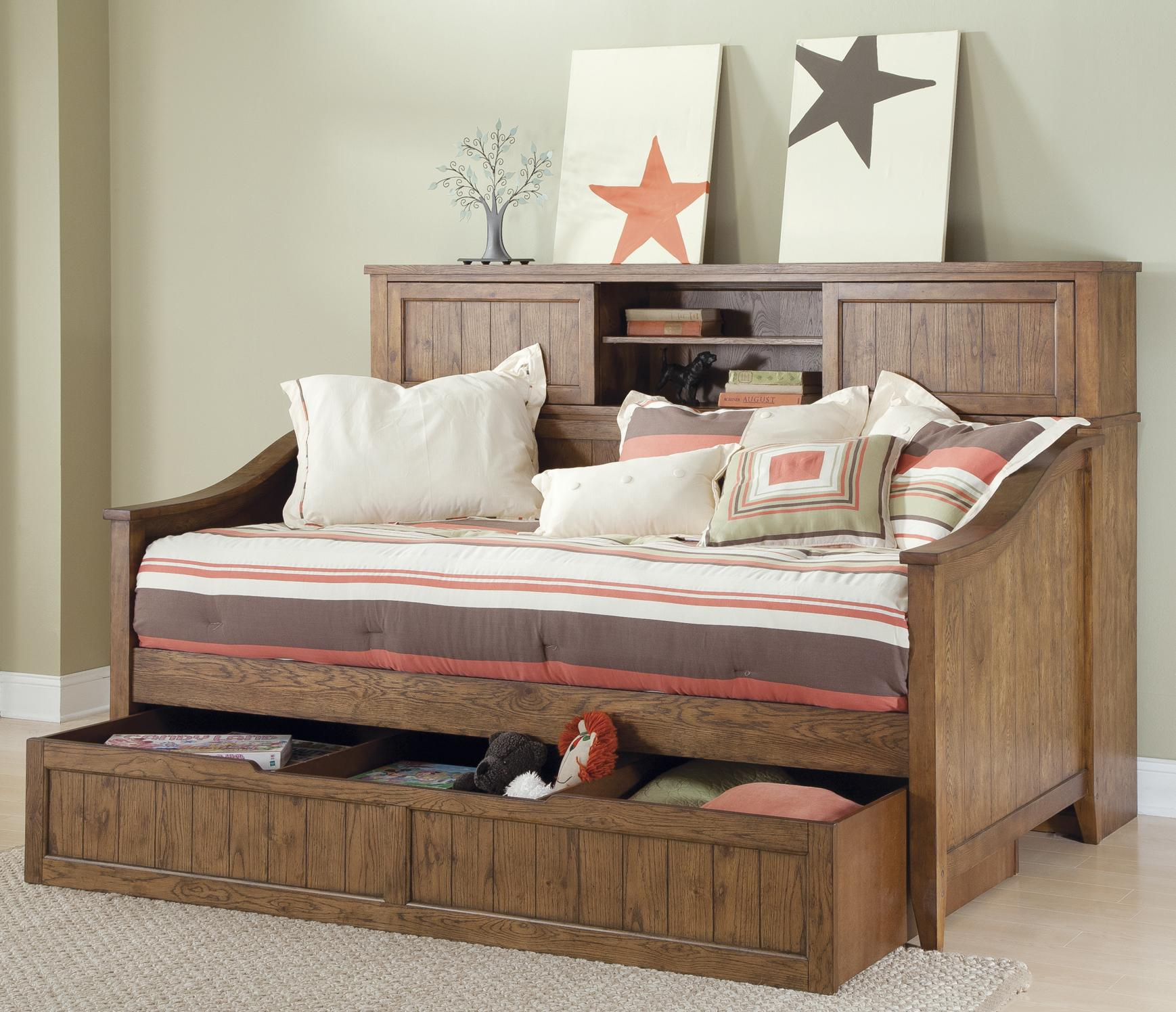 Кровать диван с полкой
