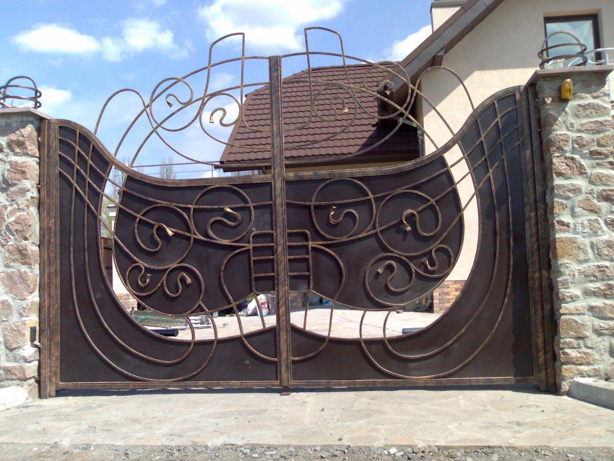Дизайн металлических ворот