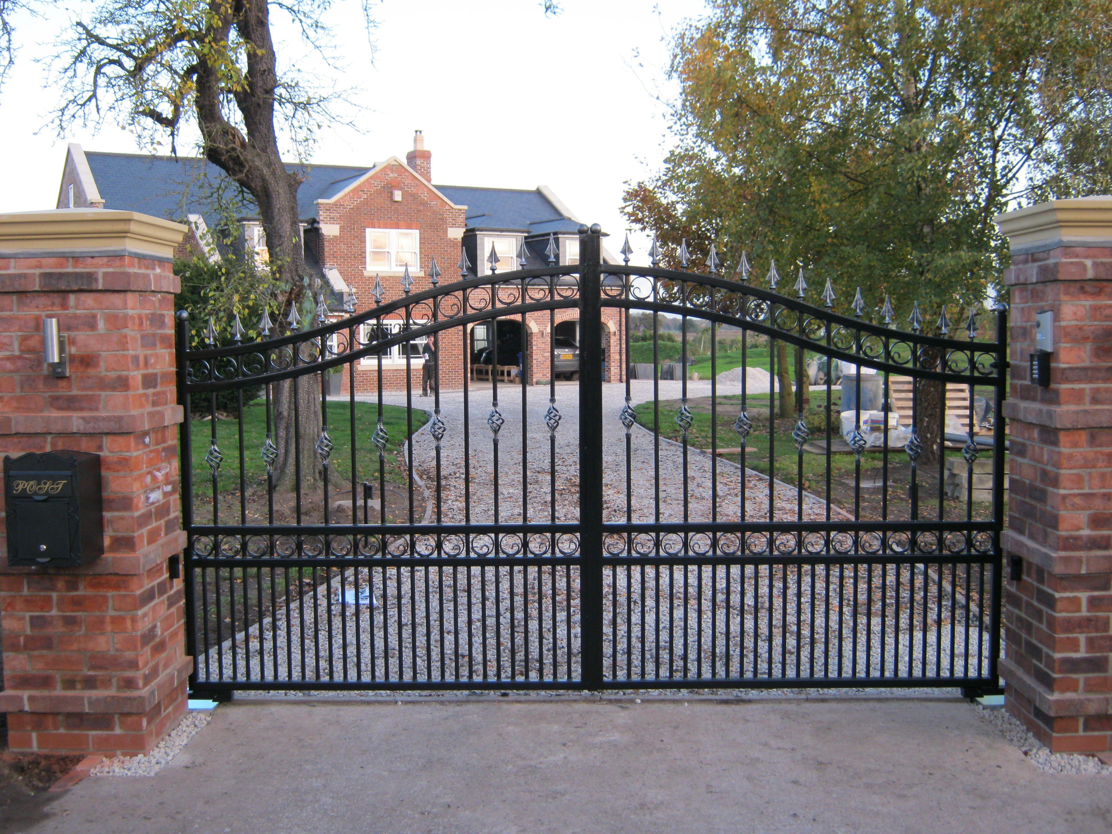 Дизайн стальных ворот