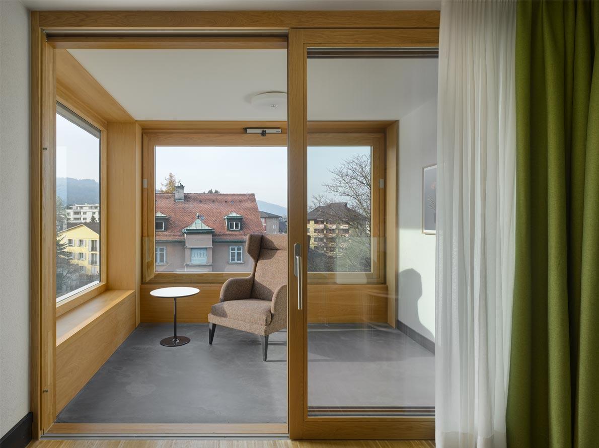 Современный дизайн балконной двери: играем с пространством (27 фото)
