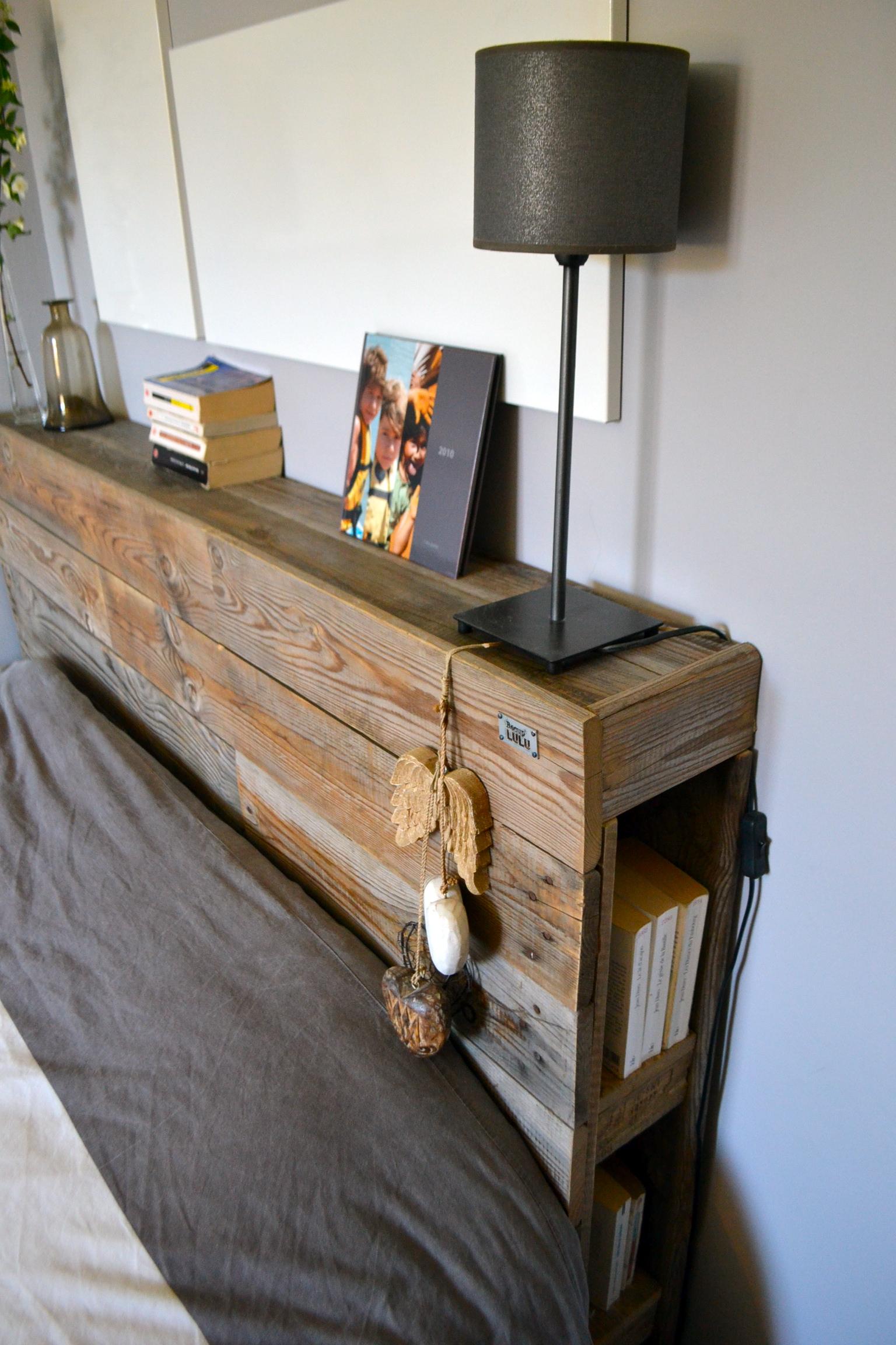 Кровать с полкой из досок