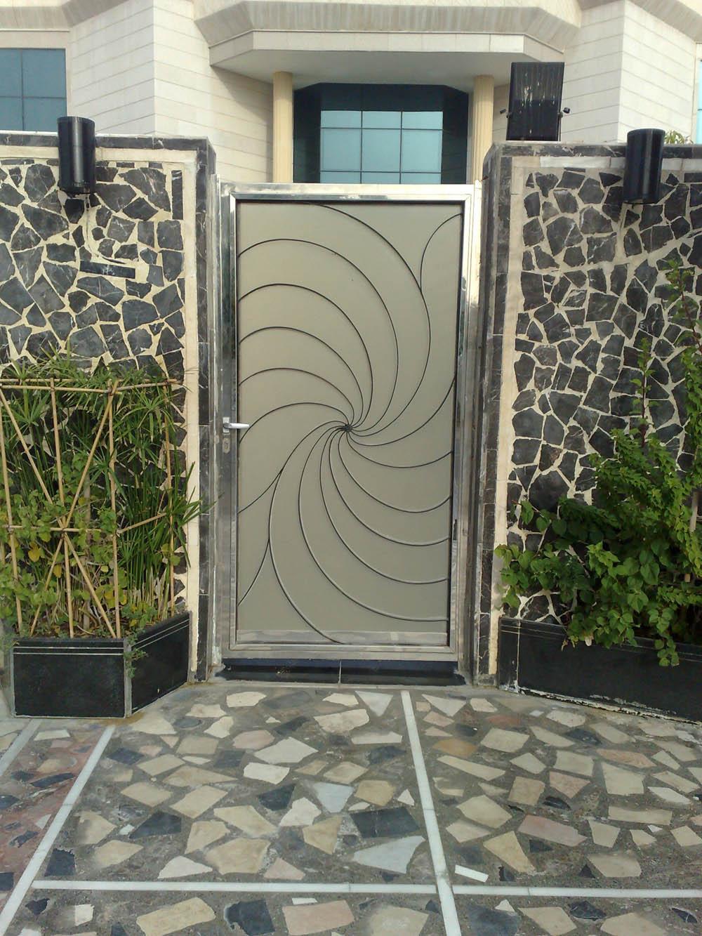 Стальные ворота с дверью