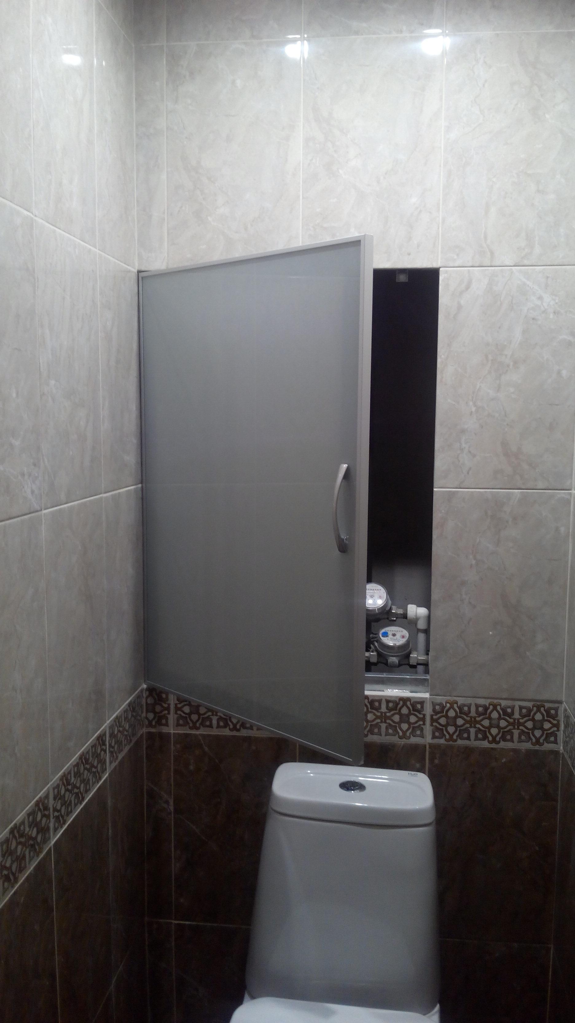 Сантехнический люк с дверкой