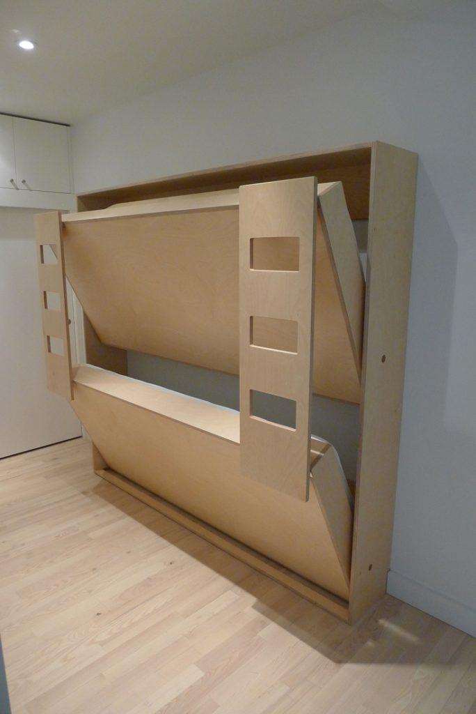 Малогабаритная двухъярусная кровать