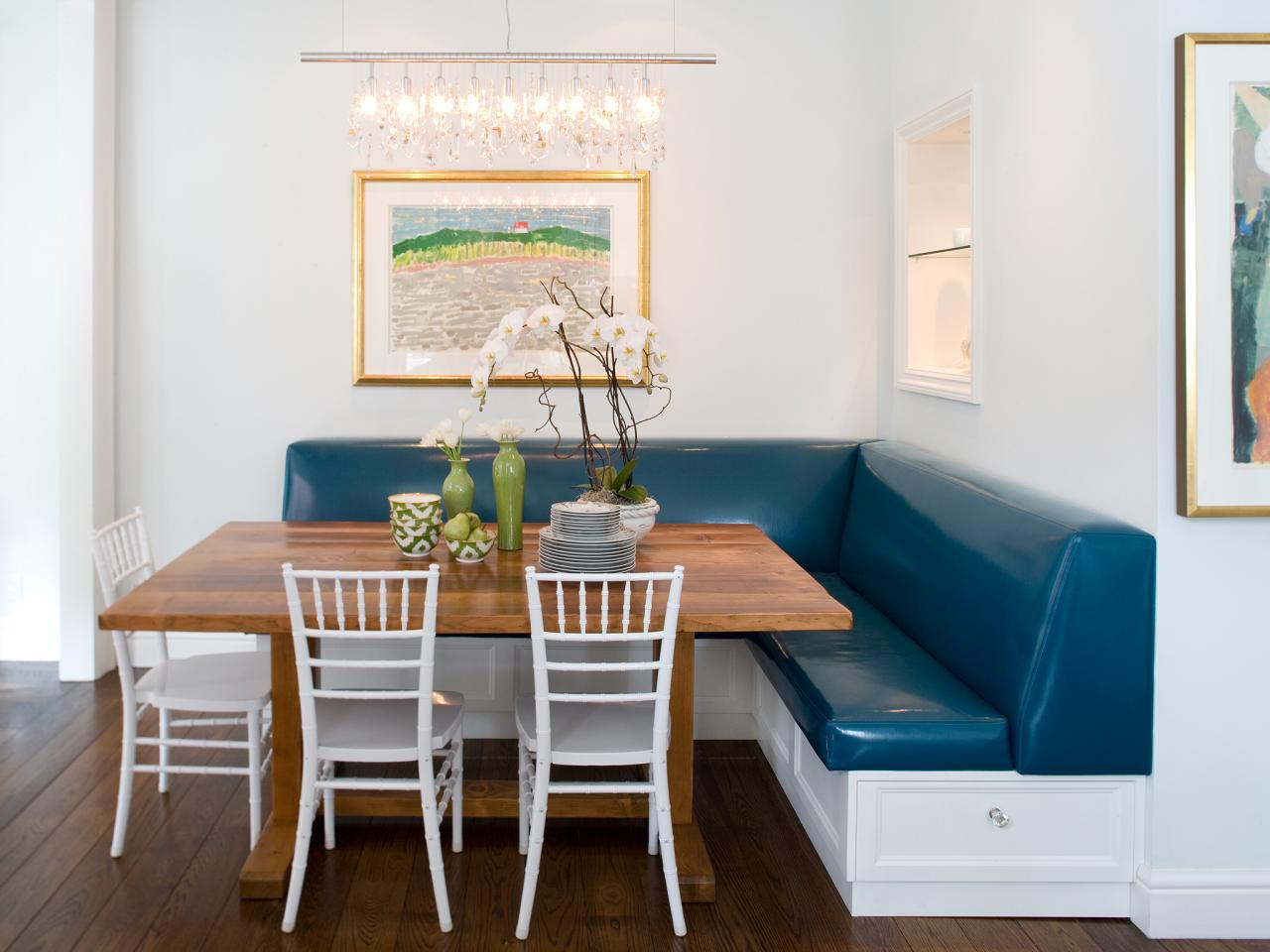 Угловой диван из экокожи на кухню