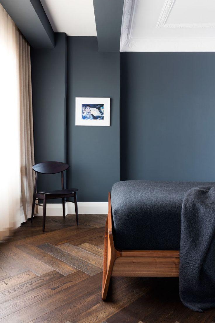 Рисунок елочка на полу в спальне