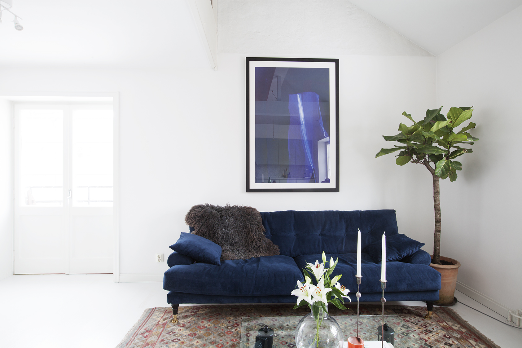 Синий диван еврокнижка