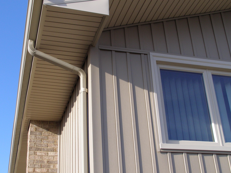 Вертикальный сайдинг в отделке дома: основные преимущества (21 фото)