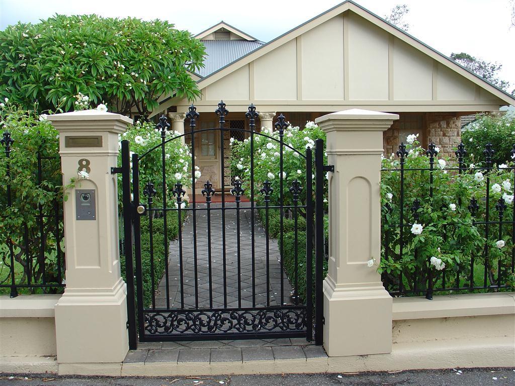 Фигурные столбы для ворот