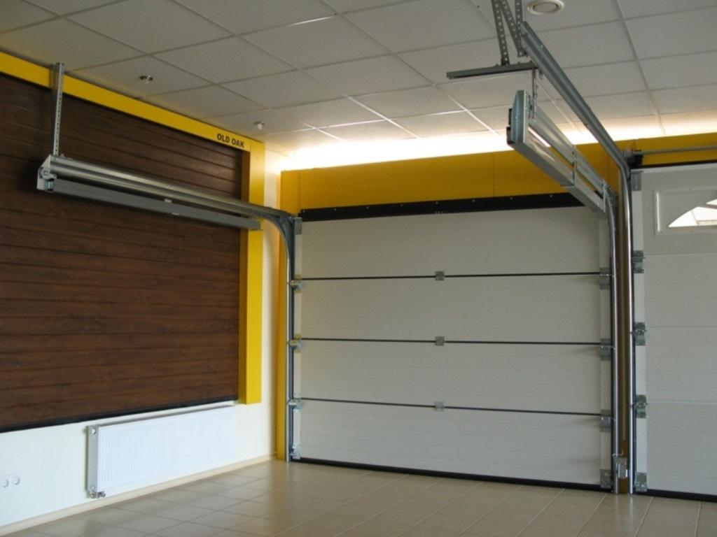Подвесные гаражные ворота