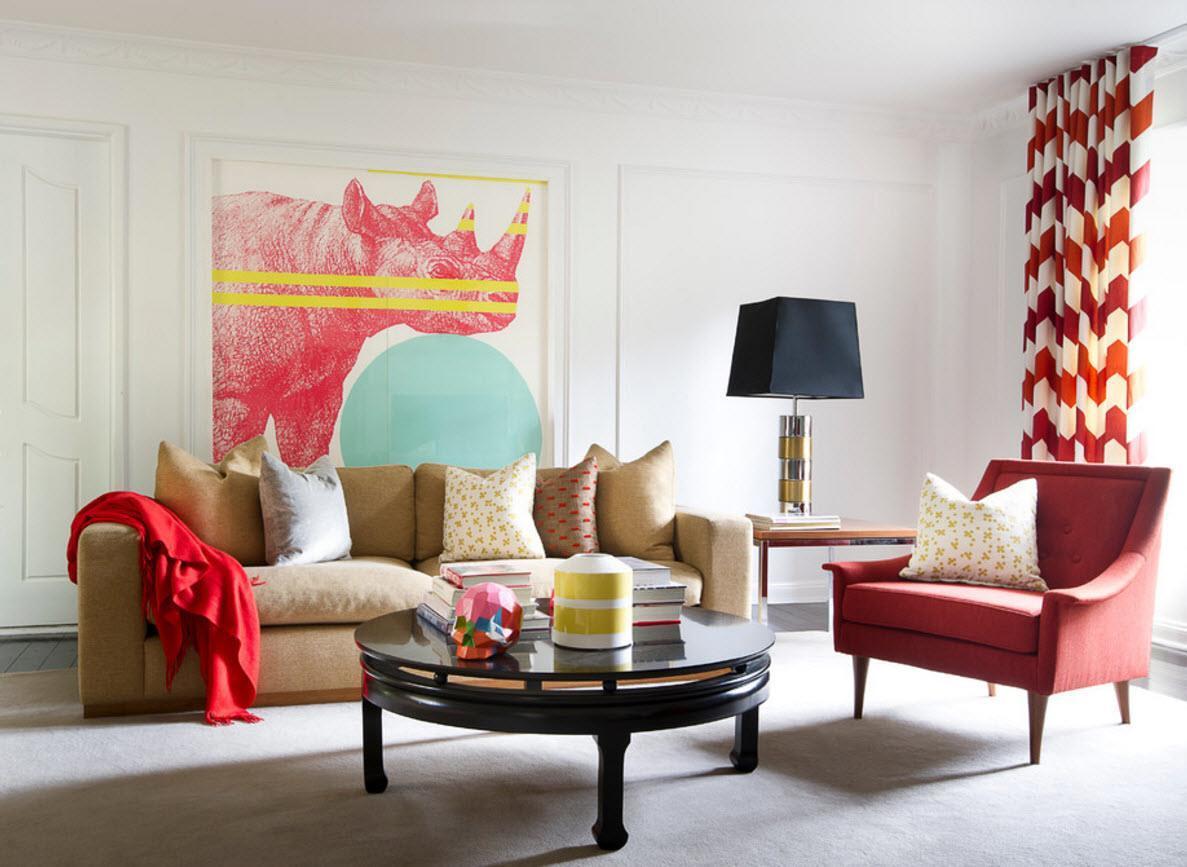 Красные шторы с геометрическим рисунком