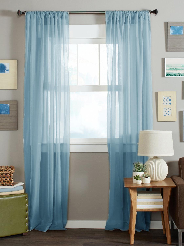 Голубые шторы из вуали