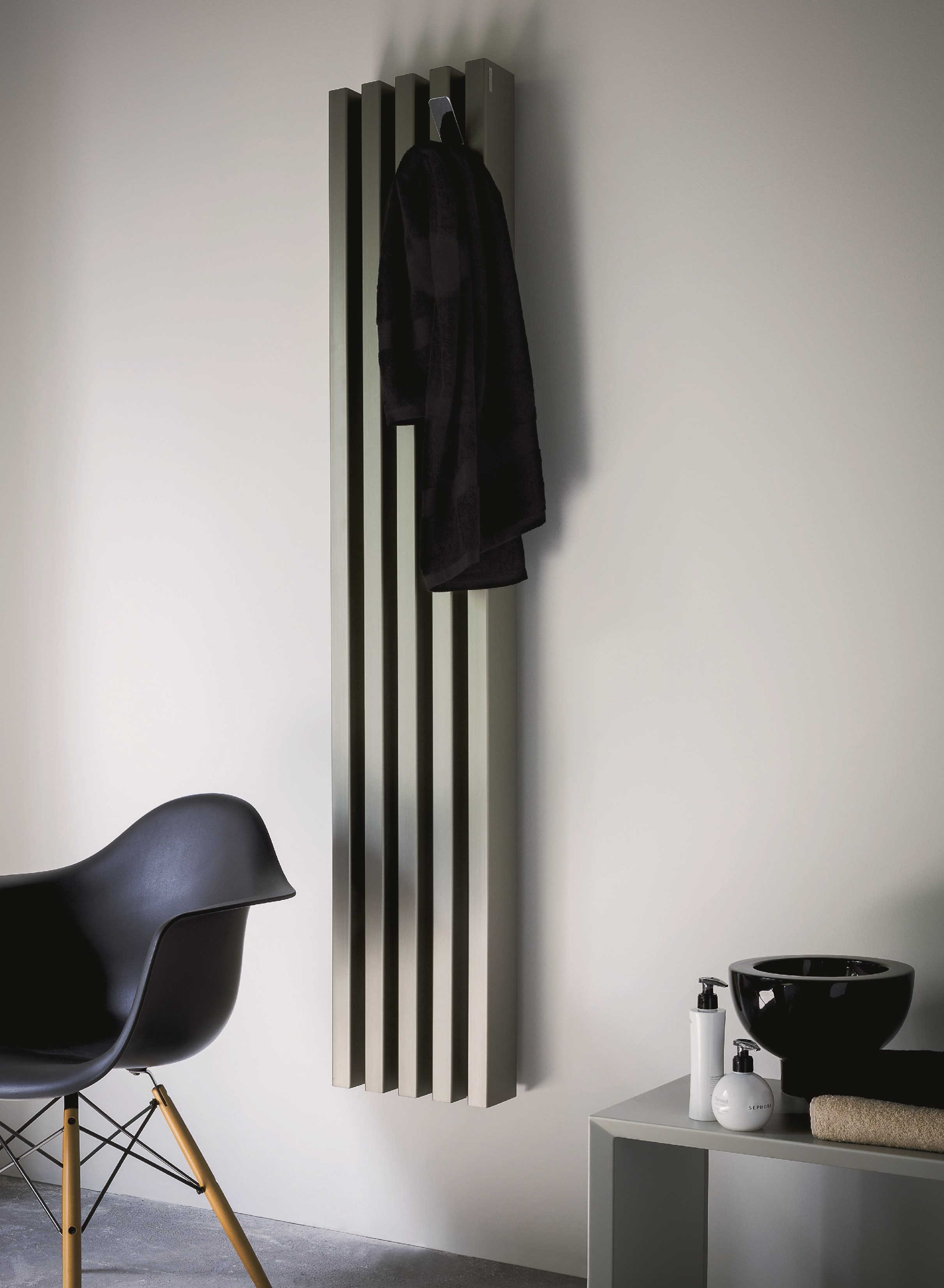 Вертикальный радиатор хромированный
