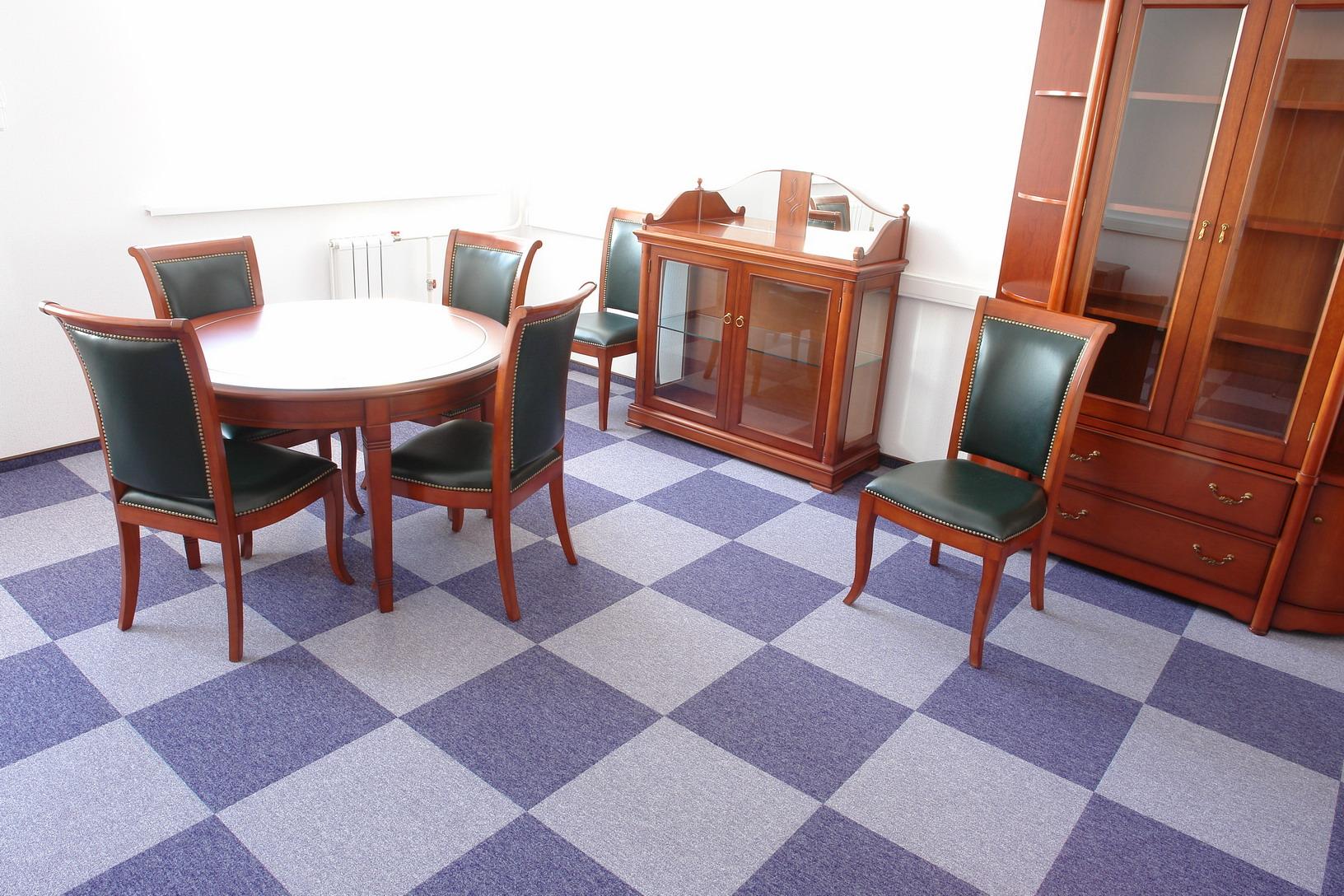 Ковровая плитка в кабинете