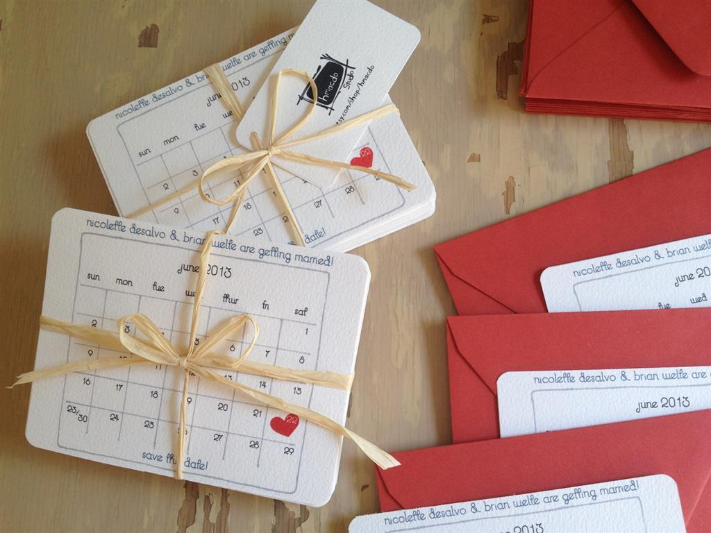 Приглашение на свадьбу в виде календарей