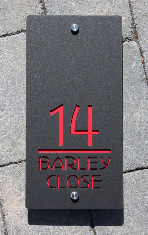 Каменная табличка на дом