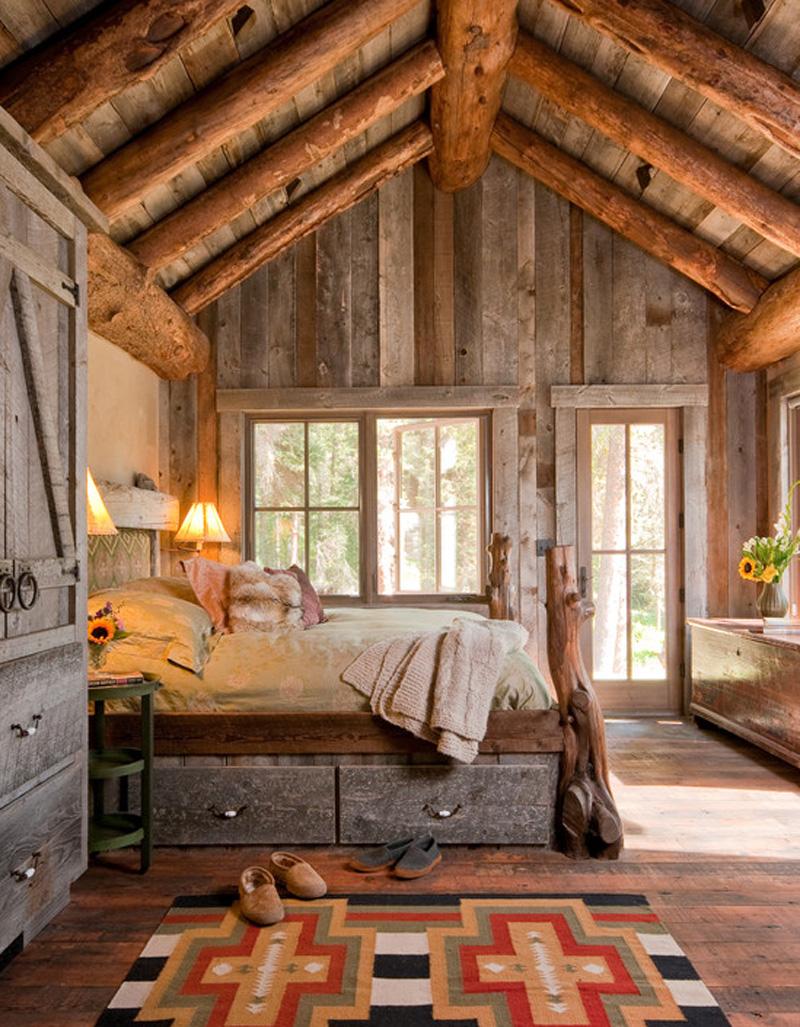 Деревянная спальня в стиле кантри