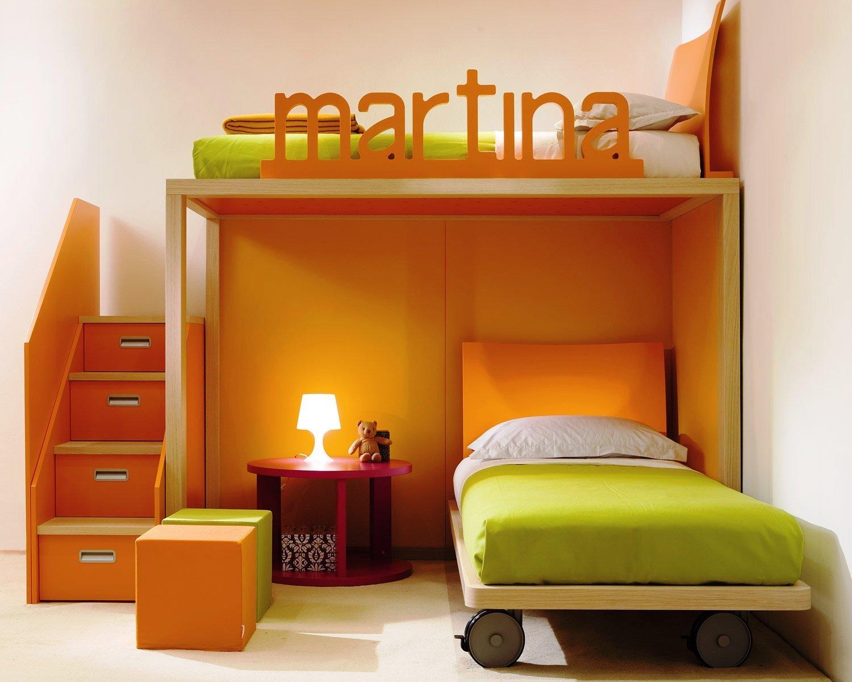 Малогабаритная кровать на колесиках