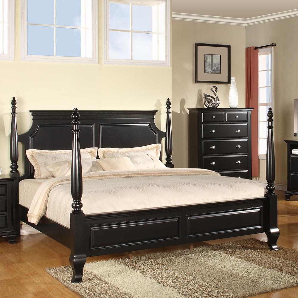 Черная кровать в колониальном стиле