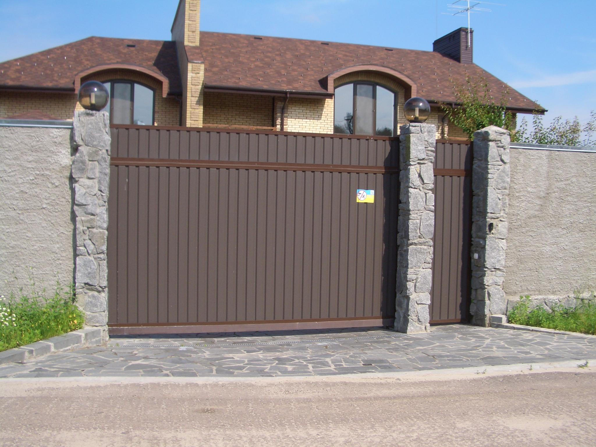 Ворота из профнастила коричневые