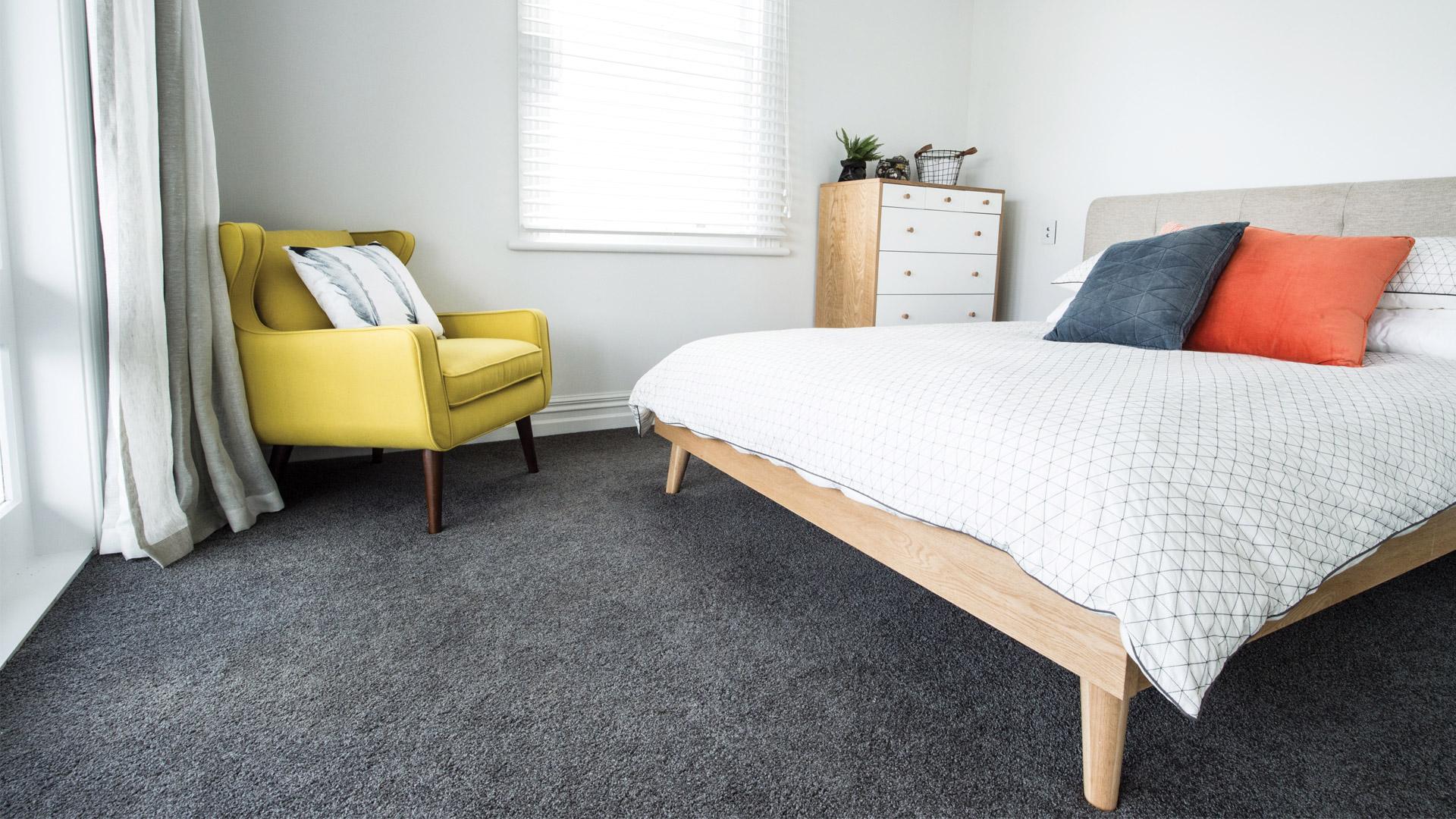 Ковролин на полу в спальне
