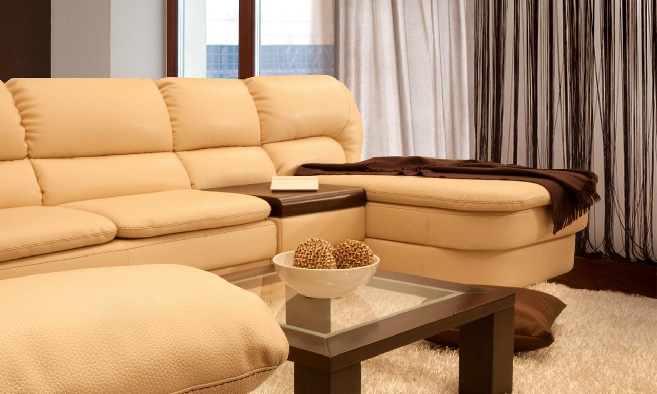 Кожаный диван на металлокаркасе