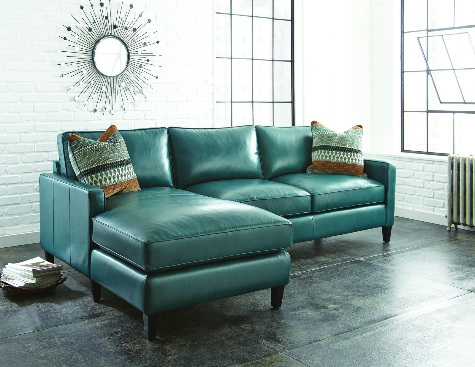 Бирюзовый кожаный диван