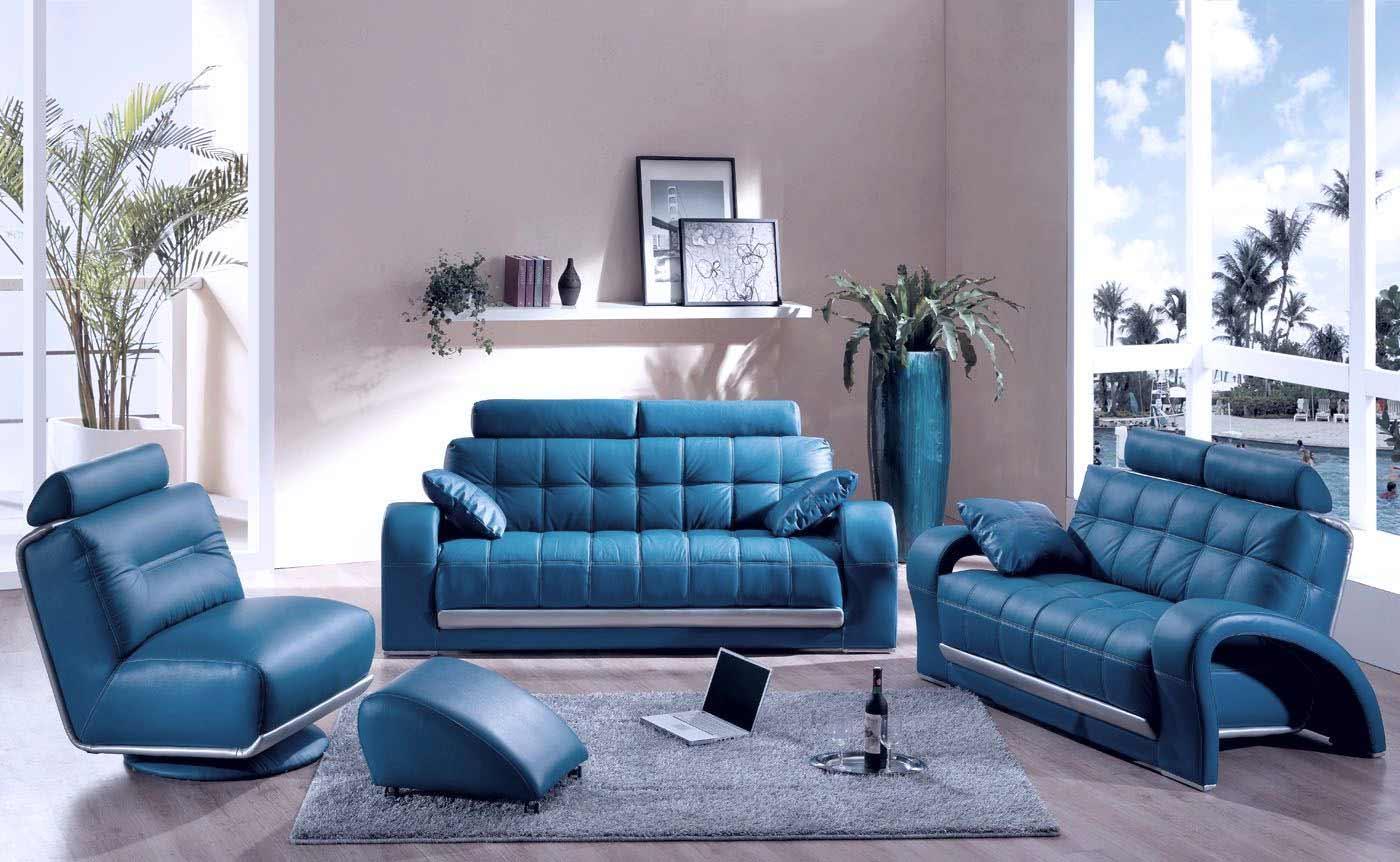 Голубой кожаный диван