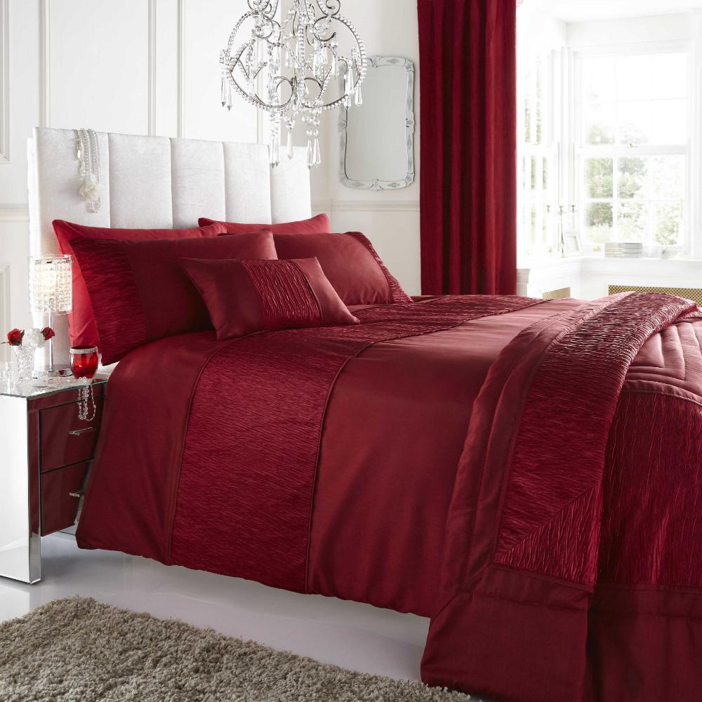 Красное постельное белье из шелка