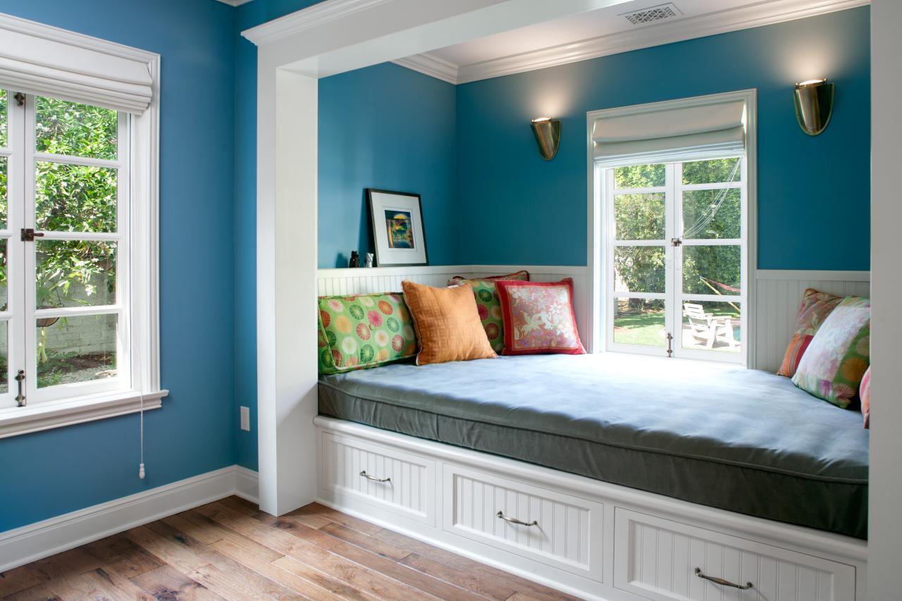 Кровать в нише спальни