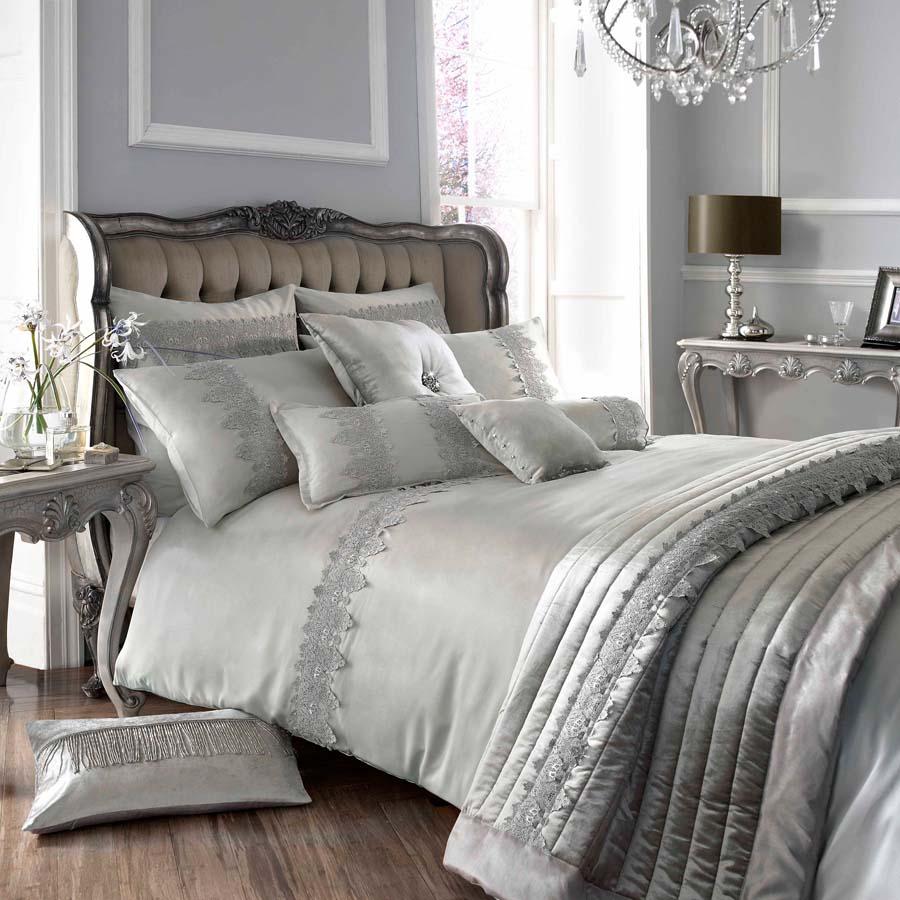 Кружевное постельное белье из шелка