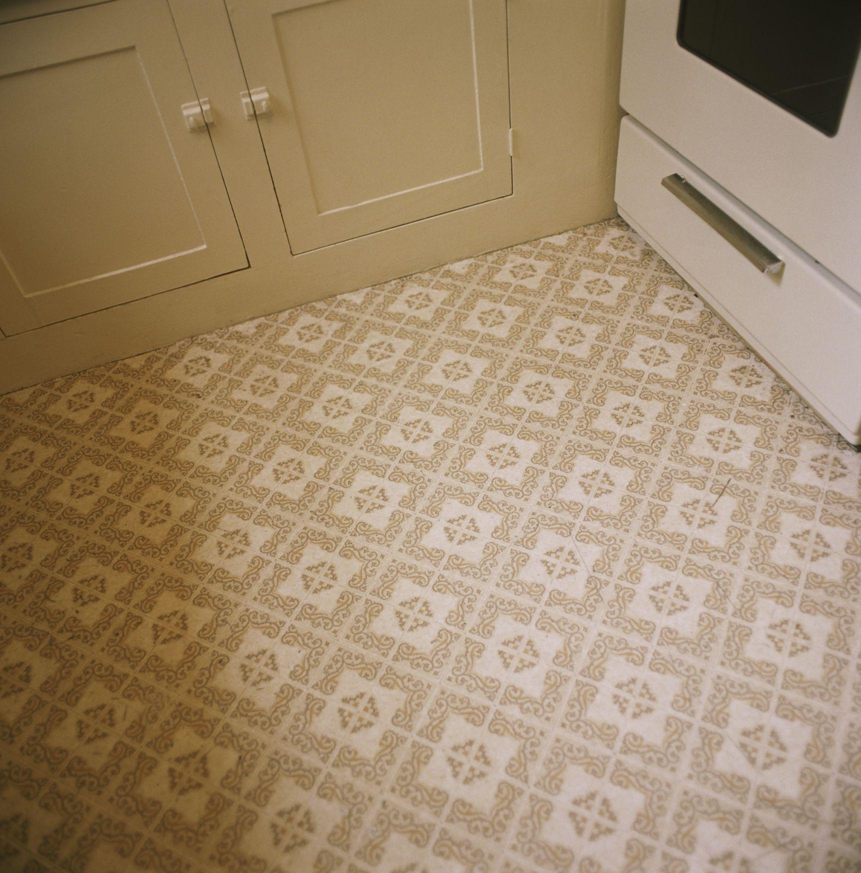 Укладка линолеума на бетонный пол на кухне