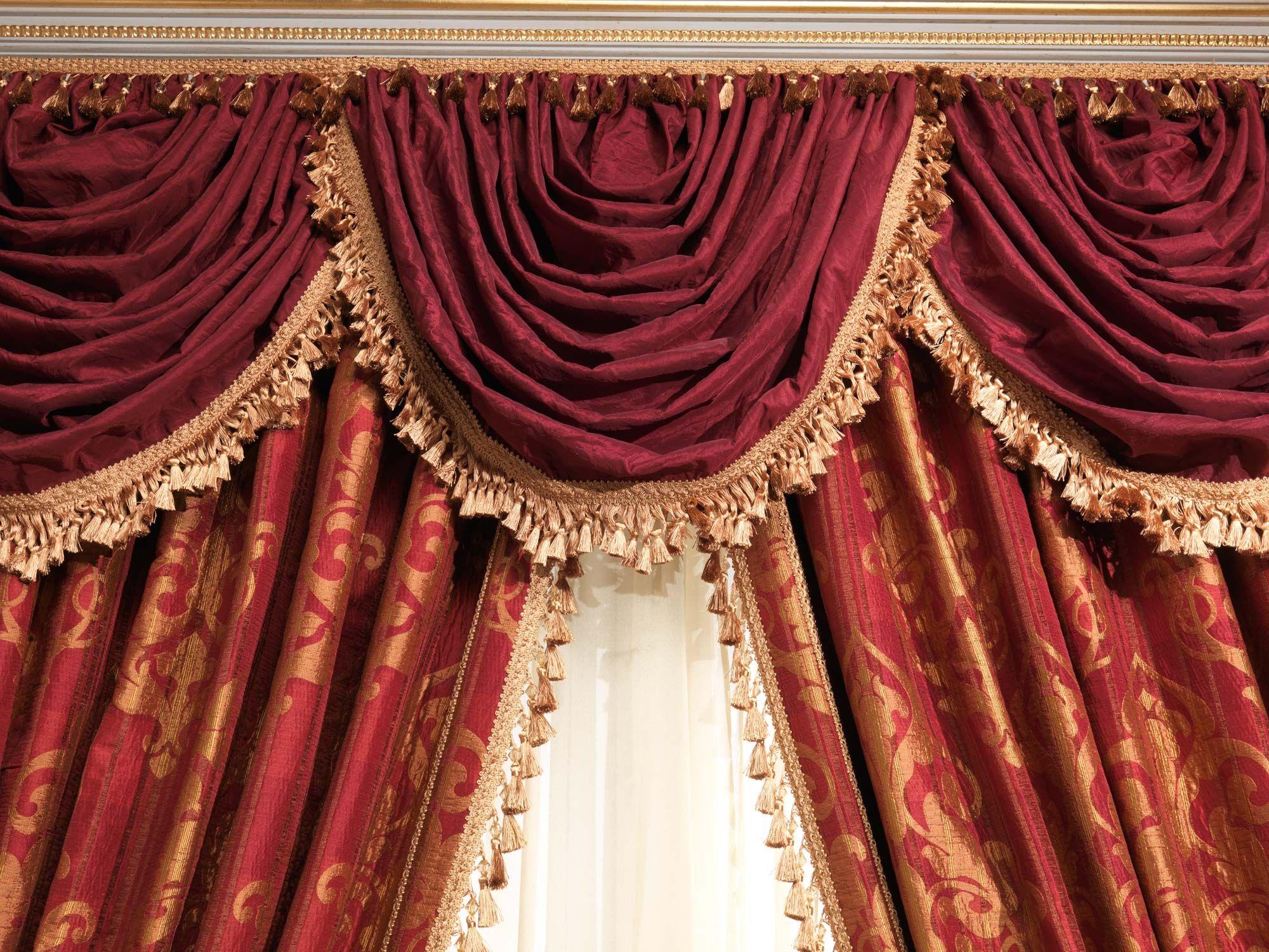 Бордовые шторы с ламбрекеном