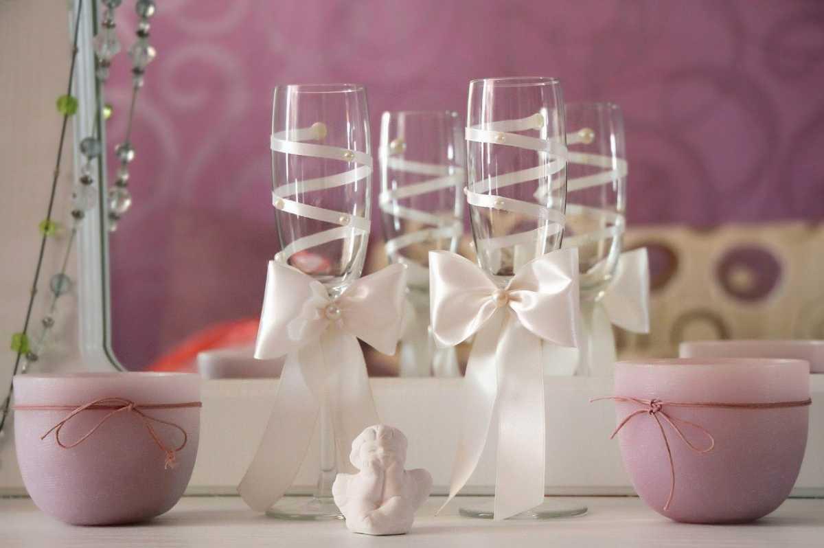 Свадебные бокалы с лентой