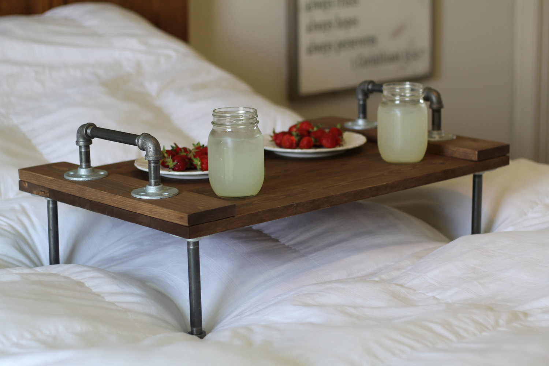 Столик для завтрака в стиле лофт