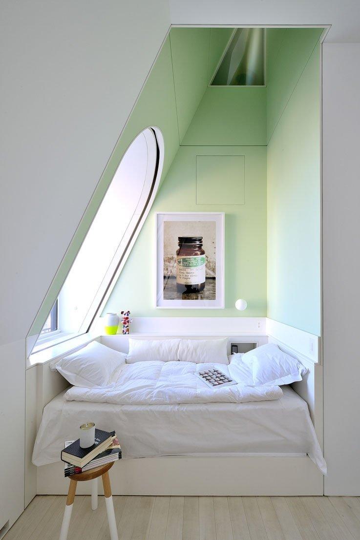 Ниша в спальне на мансарде