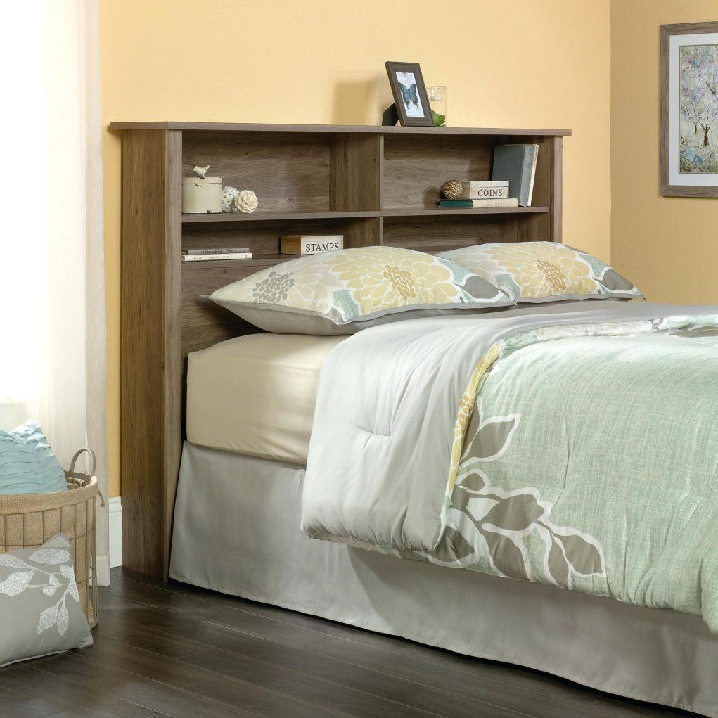 Кровать из массива с полкой