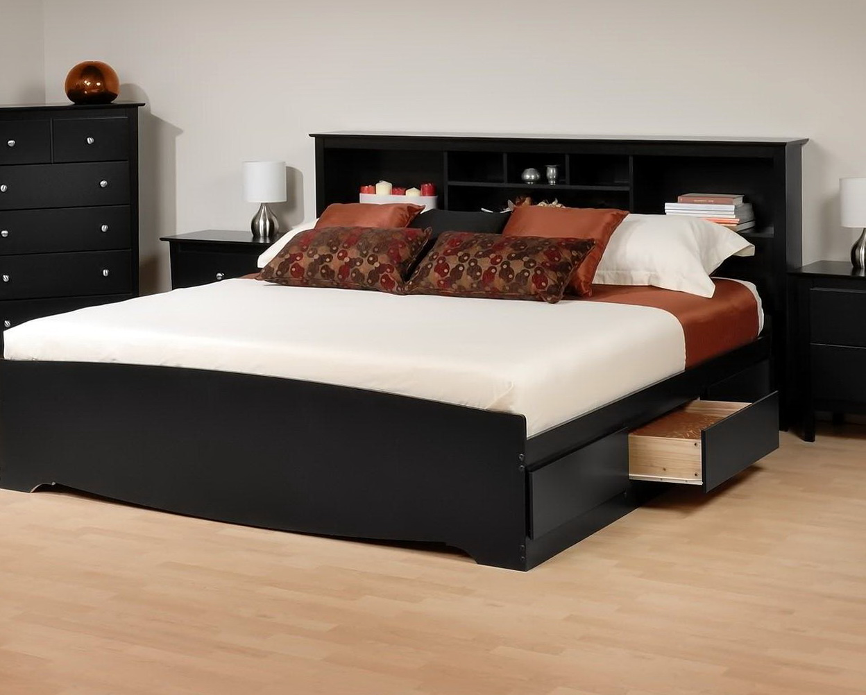 Кровать из МДФ с полкой