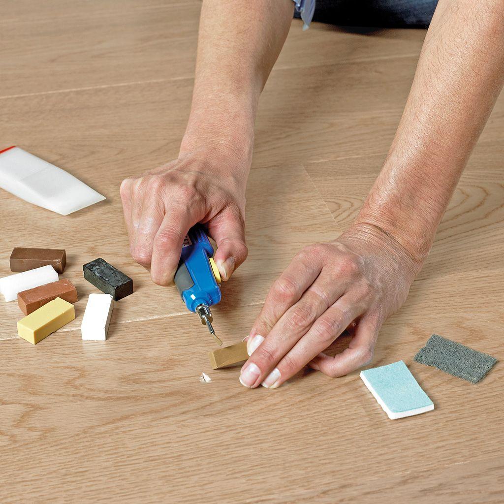 Как самостоятельно отремонтировать ламинат?