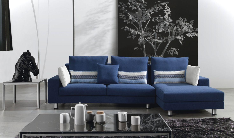 Синий диван на металлокаркасе