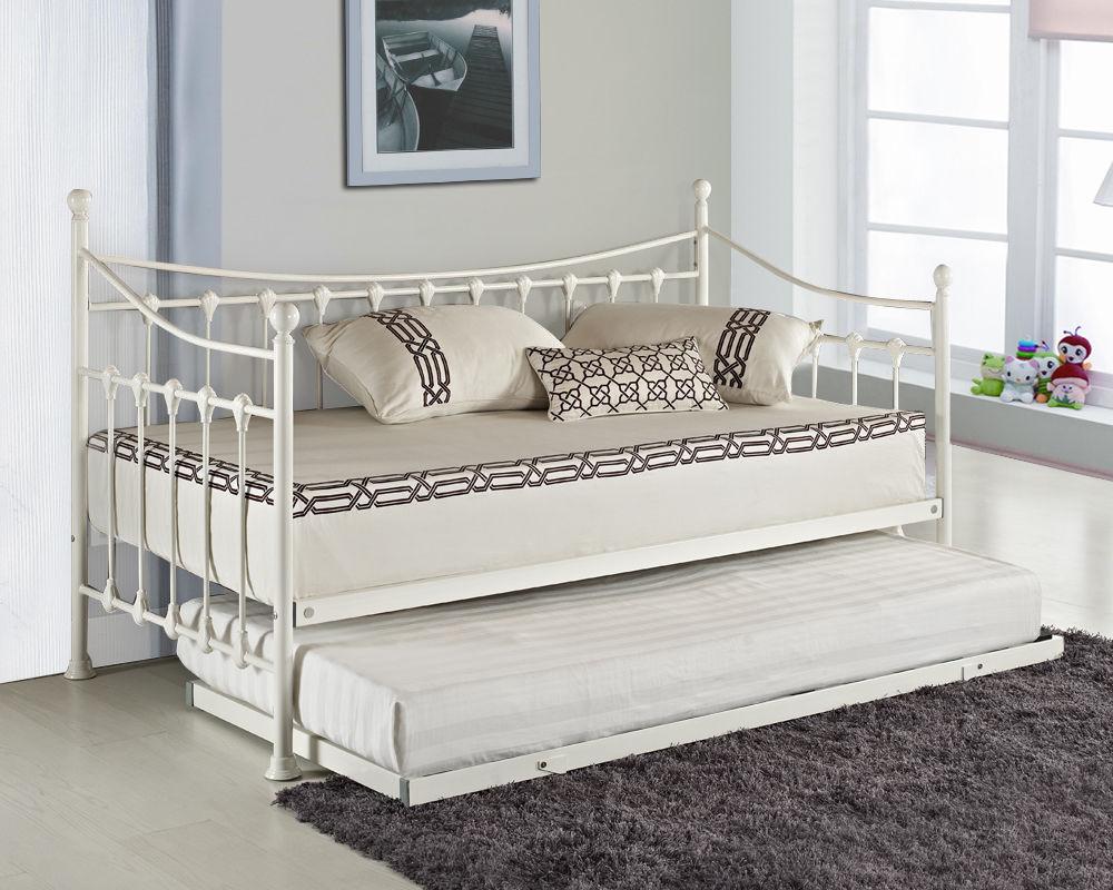 Выдвижная металлическая кровать