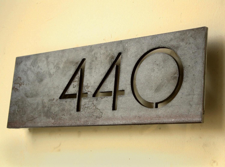 Табличка на дом металлическая