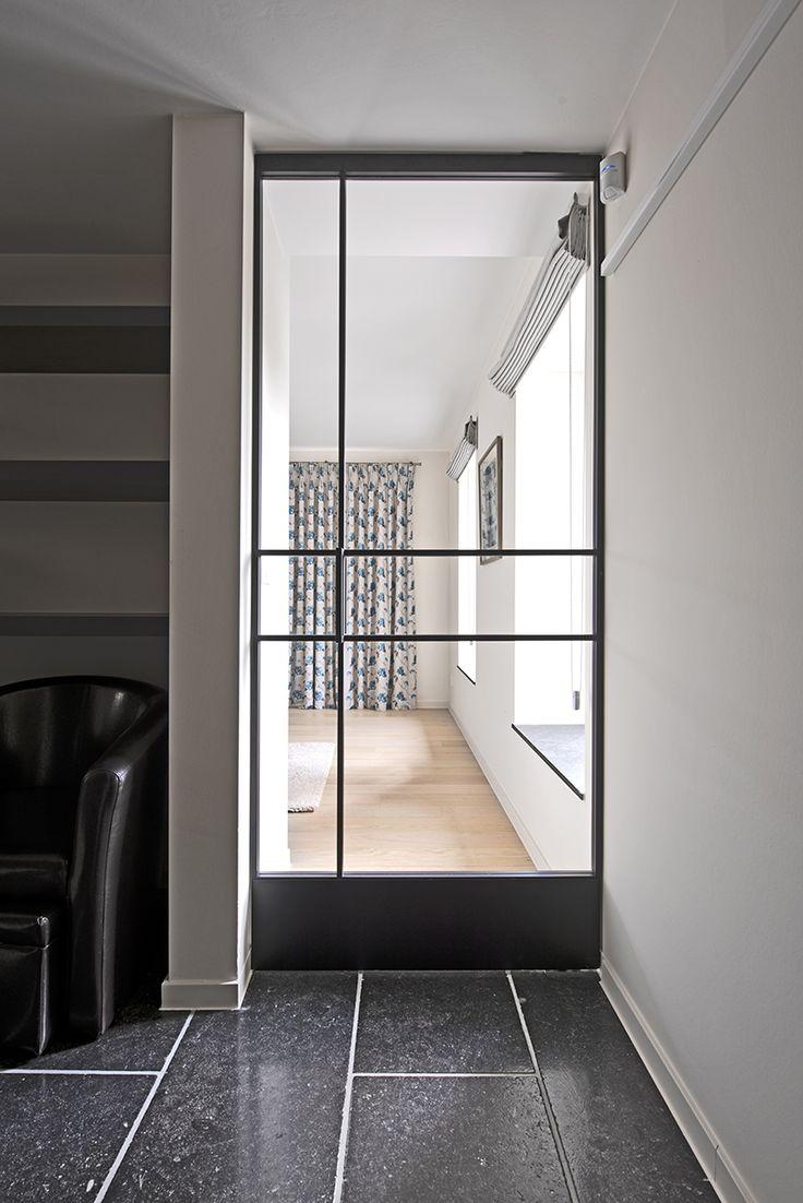 Кованая межкомнатная дверь