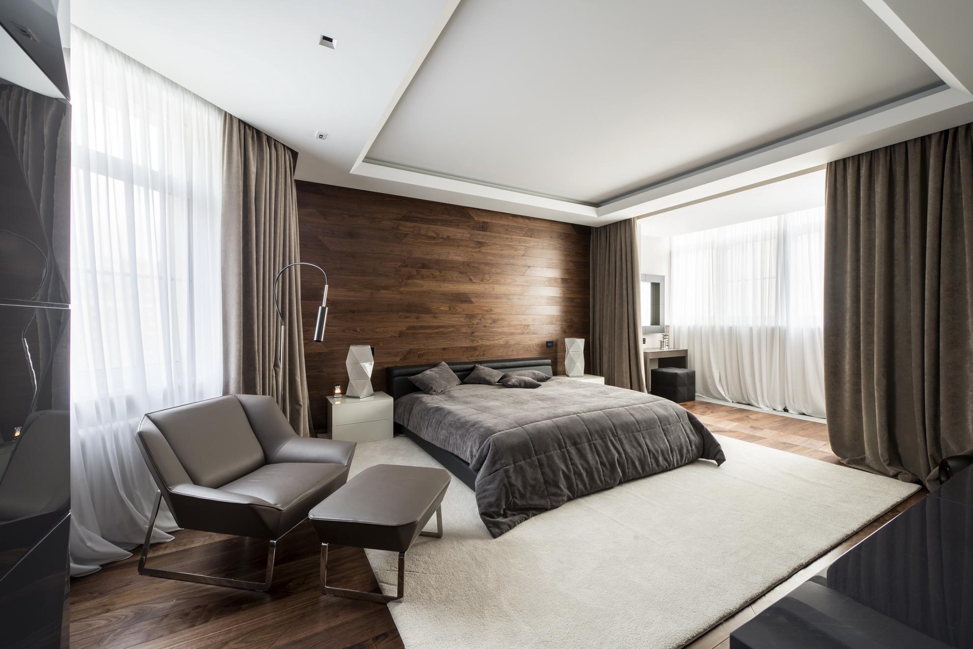 Деревянная спальня в стиле модерн