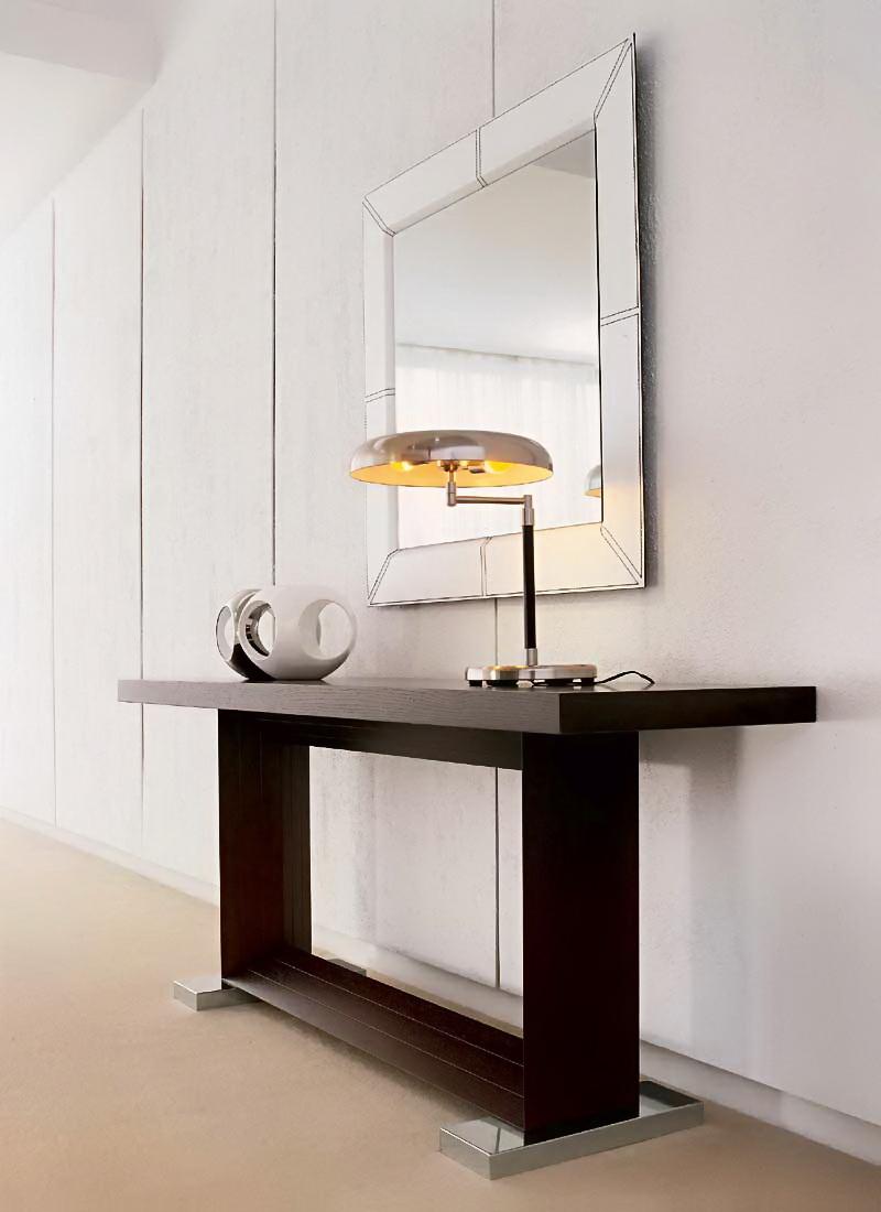Столик в прихожую в стиле модерн
