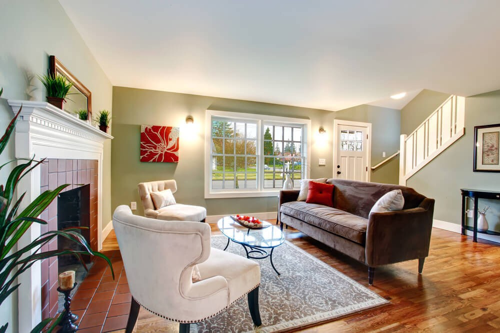 Коричневый диван в стиле модерн