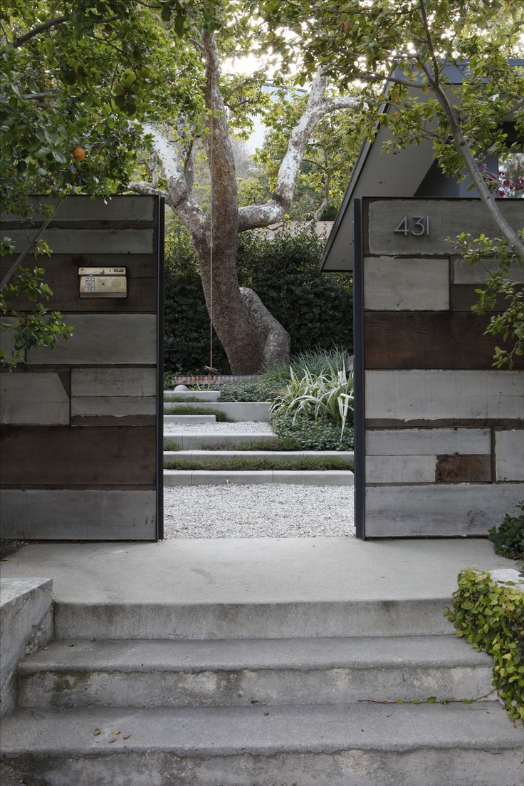 Ворота для дачи в стиле модерн