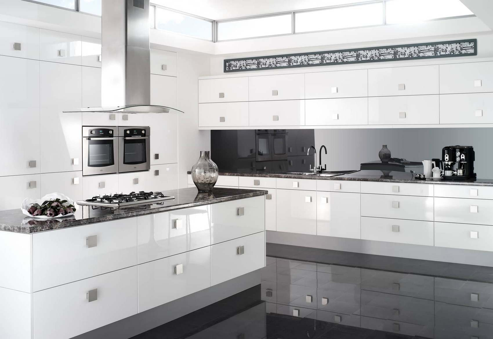Белая глянцевая модульная кухня